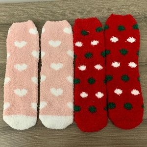 NWOT 2 Pairs of Cozy Crew Socks